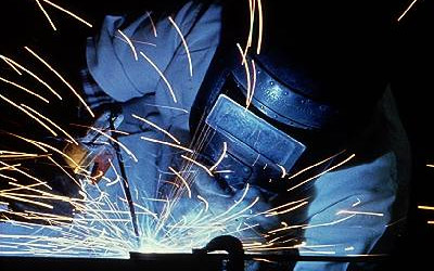 Figure 4 - Arc welding produces light by incandescence.
